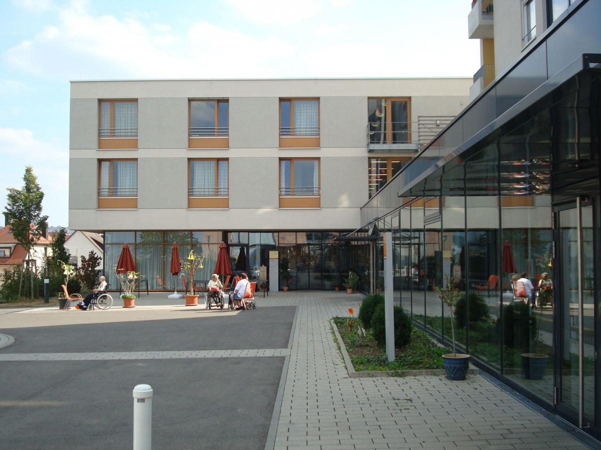 2000 Generationenzentrum Stuttgart 1. Preis